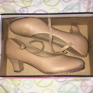 Woman's tap shoes